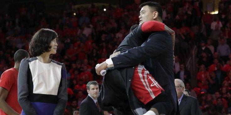 Yao Ming Pimpin Bola Basket China - http://darwinchai.com/olahraga/yao-ming-pimpin-bola-basket-china/