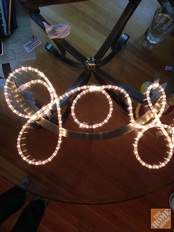 DIY Decor: Spell the Word Joyful With the Rope Lights