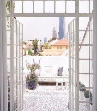 Neve Tzedek Balcony