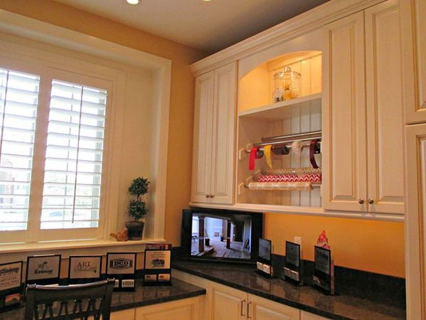 blonde by sherwin williams laundry room paint color this is the best neutral use as accent. Black Bedroom Furniture Sets. Home Design Ideas