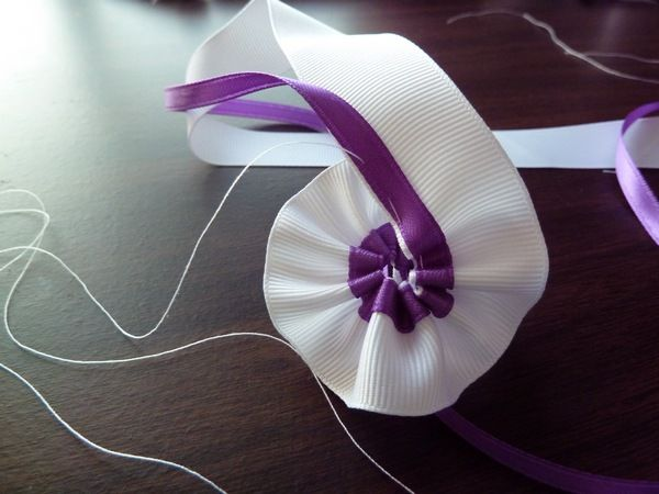 Eager to test out the ribbon-lei-making-method from Sak's mom, I enticed Sak with a box of Whoppers in order to get him to take me to Michae...