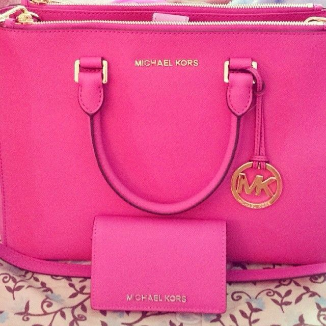 2015 New Michael Kors Handbags Save 50% OFF, Womens Fashion Style From MK Bags…