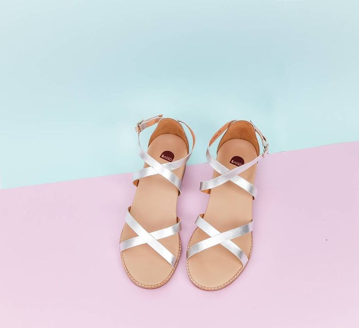 Minimalist metallic Ft. Our new 'Loon' sandals.