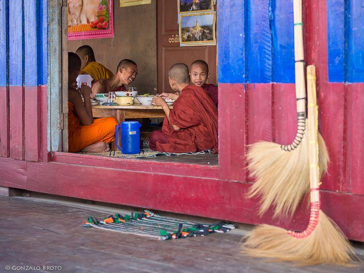 GONZALO BROTO | MEMORYSHOTS: People from Myawaddy, the door to Myanmar