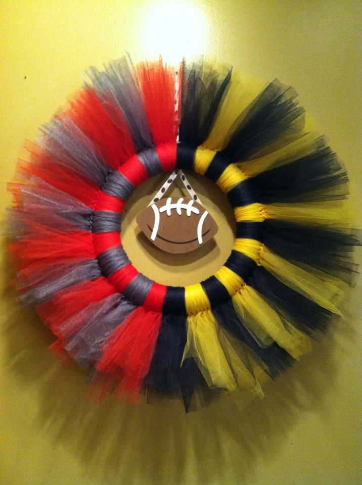 House divided. Ohio State & Michigan tulle wreath.