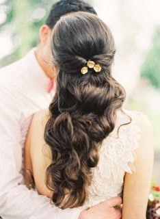 Half opgestoken bruidskapsels | In White