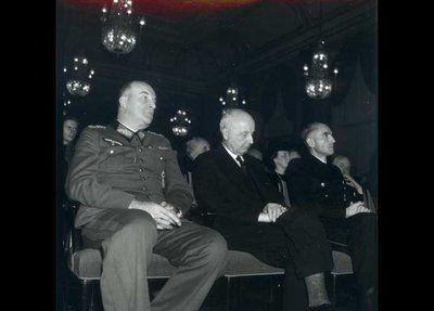 statsminister, PM, Erik Scavenius, in the middle, der var en af hovedmændene bag samarbejdspolitikken, i selskab med den tyske rigsfuldmægtigede, German plenipotentiary, Werner Best, on the right, til et møde i Dansk-Tysk Forening