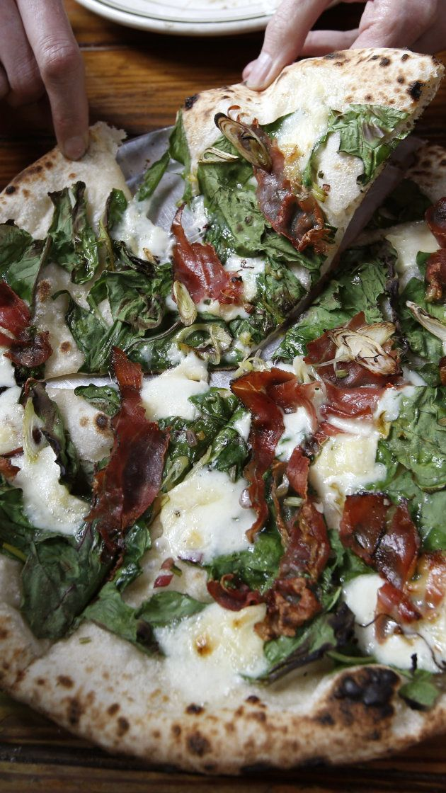 Restaurant's trick to reheating pizza is going viral
