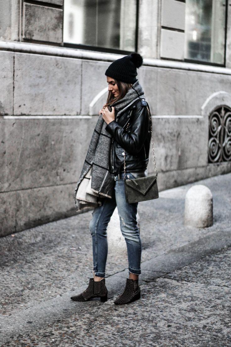 1000 id es propos de porter une charpe sur pinterest porter foulards charpes pour hiver. Black Bedroom Furniture Sets. Home Design Ideas