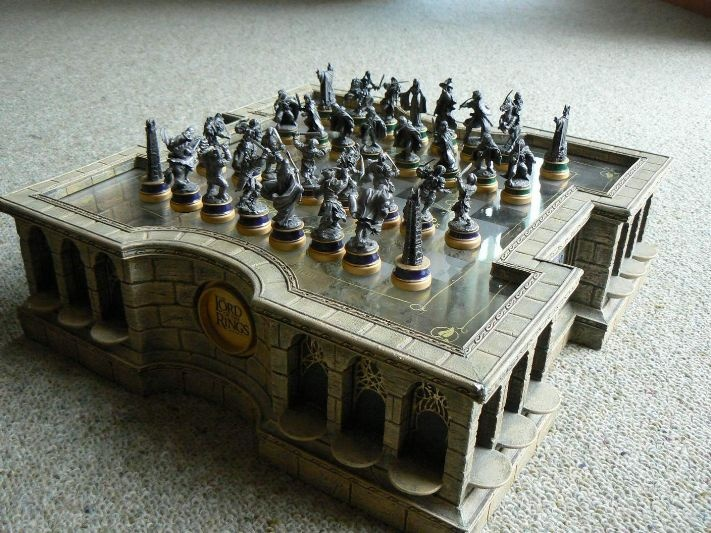 The Lord Of The Rings Chess Set Pewter Miniature And