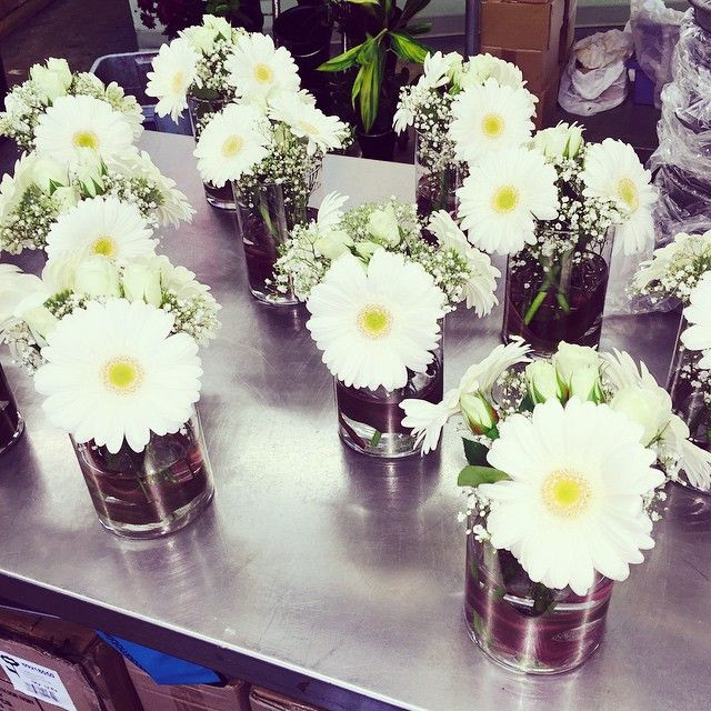 More simple, all white, gerbera #centrepieces!!