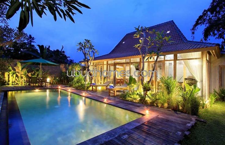 Joglo Style Modern Minimalist with 2 Bedrooms in Central Ubud This clean and…