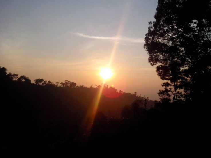 A farewell sunrise before going home. (Selo, August 21, 2014)