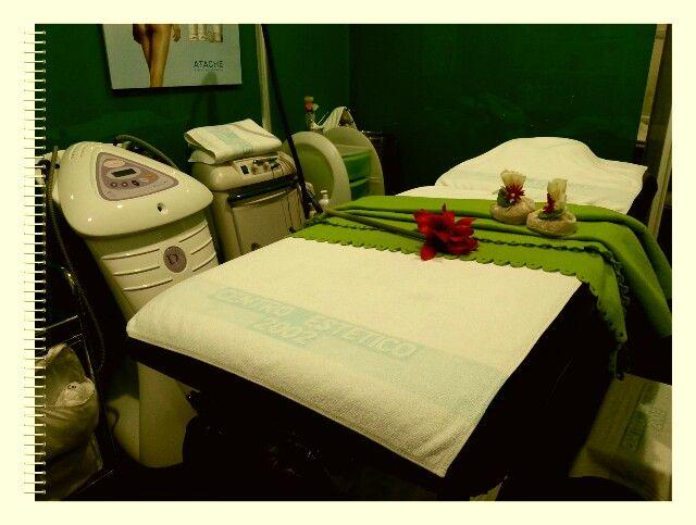 Cabina de tratamientos corporales con cavitación y dermosucción