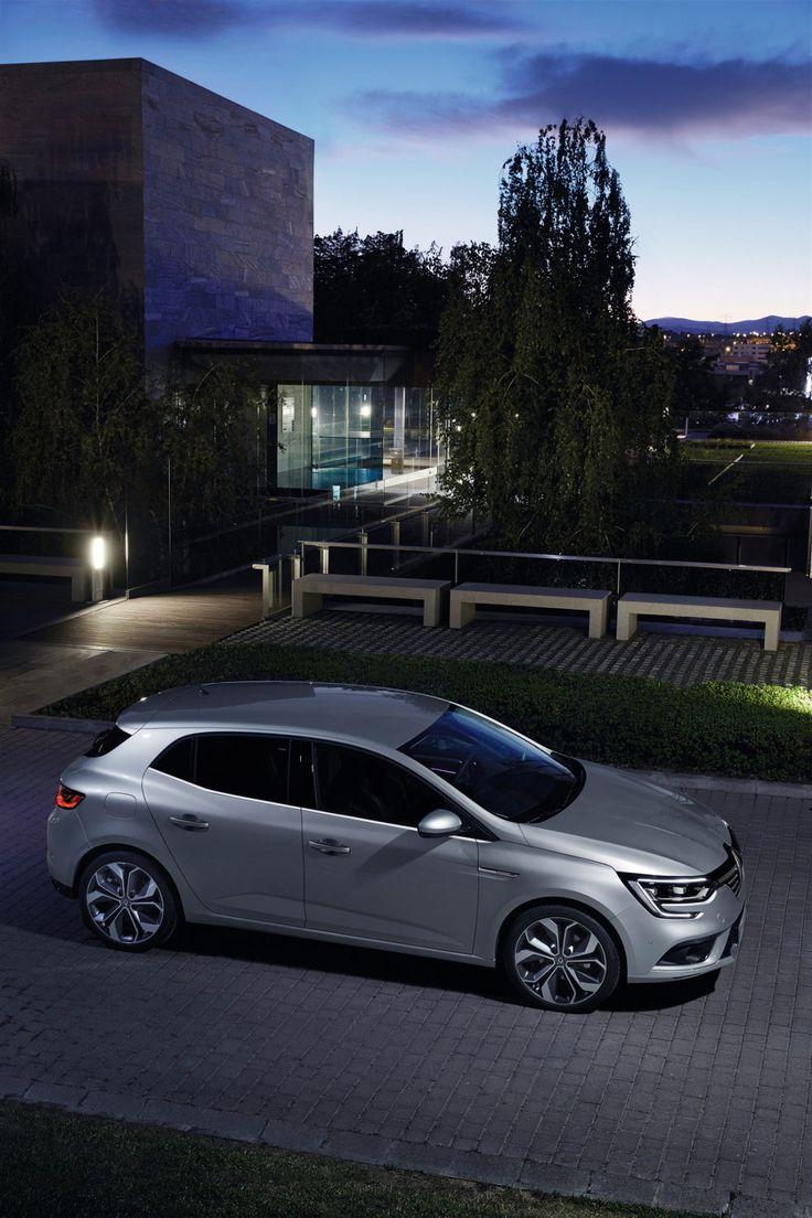 Renault MEGANE 4 Plus Quu0027une Voiture