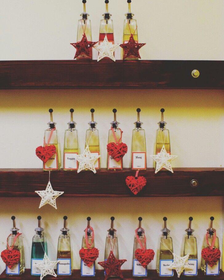 Vánoční stromeček trošku jinak. Šťastné a veselé.