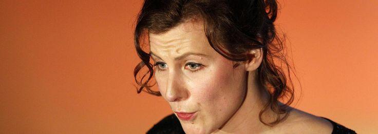 Dichter des Vaderlands Ester Naomi Perquin is meervoudig aanwezig - Boeken - Voor nieuws, achtergronden en columns
