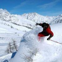 ALPE D'HUEZ, une station de ski labellisée Famille Plus | Site Officiel des Stations de Ski en France : France Montagnes -  http://www.france-montagnes.com/station/alpe-dhuez