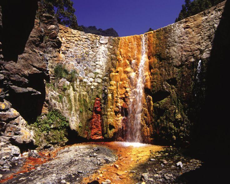 La Cascada de Colores, isla de La Palma