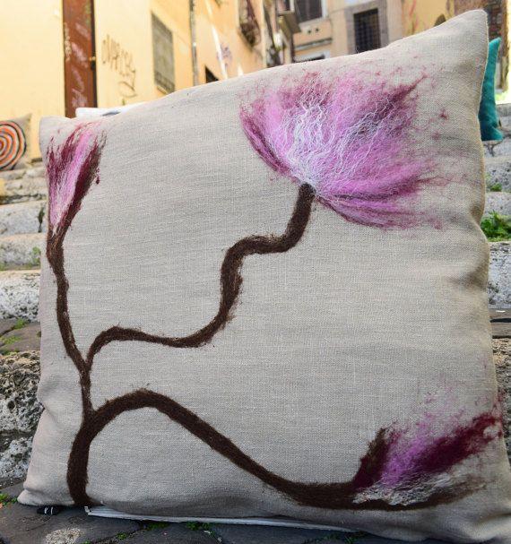 Cuscino decorativo The Cherry Orchard di ElenaKihlman su Etsy
