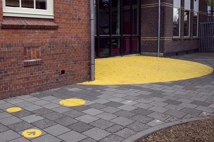 Clarification entrance school. Design: DenkRuim interieurconcepten/typography by DISCOO.