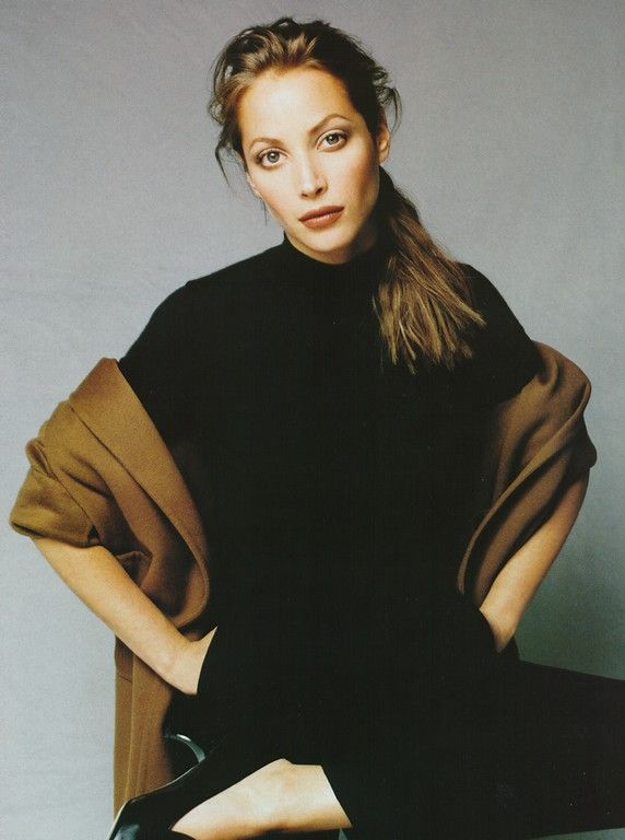 christy turlington | photography by patrick demarchelier | for harper's bazaar magazine us | october 1995
