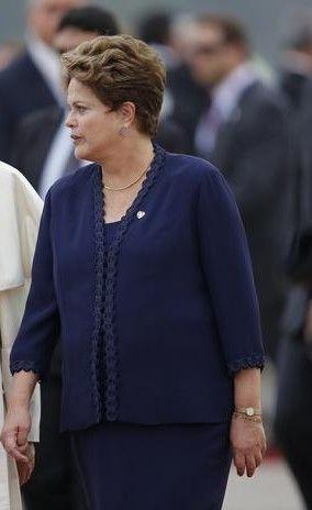 Brasil: Devido a actual crise económica, governo proíbe ministros de viajar em 1ª classe http://angorussia.com/noticias/mundo/brasil-devido-a-actual-crise-economica-governo-proibe-ministros-de-viajar-em-1a-classe/