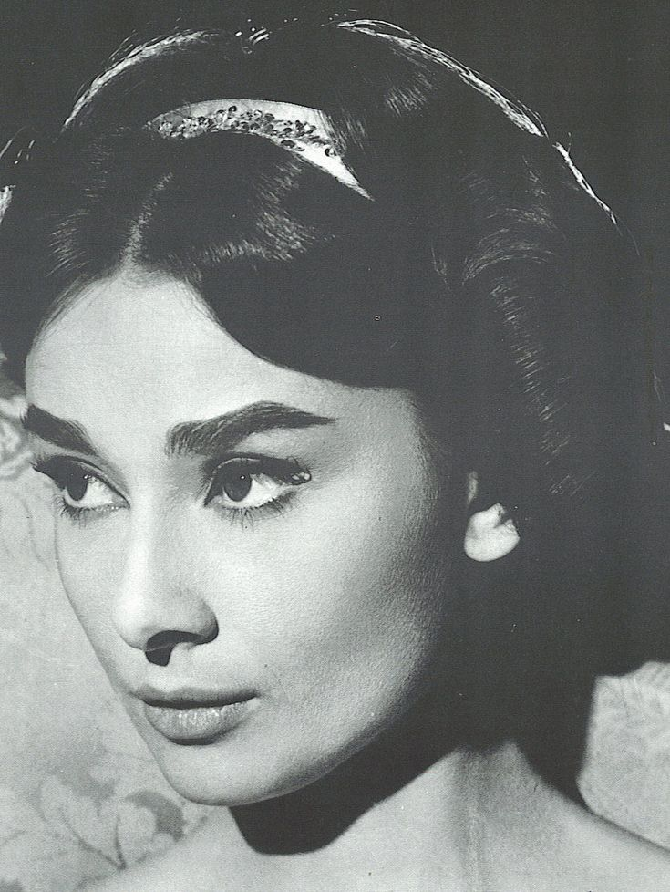 422 best people i find particularly pretty or have a crush for Audrey hepburn pictures to buy