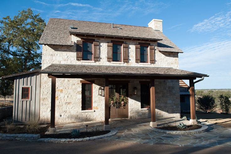 Fredericksburg texas hill country for Texas hill country cabin builders