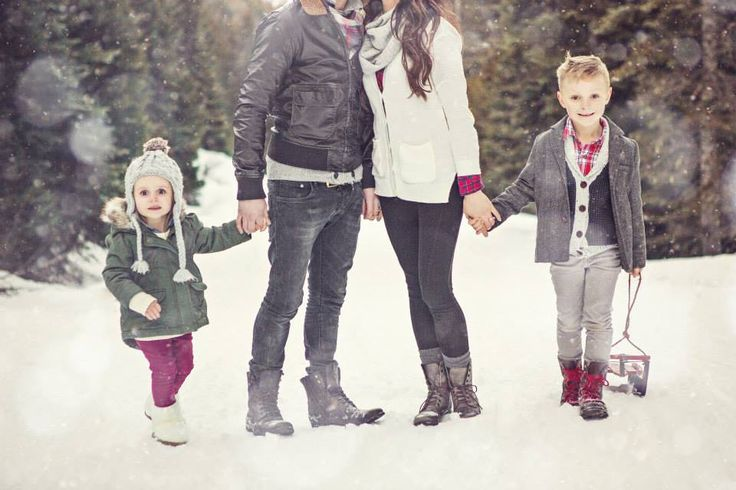 Winter family photos, mother, mommy, daughter, girl, father, daddy, son, boy, hugs, holding hands, snow, snowflakes, sled, hat, scarf, trees, sun, Christmas, holiday.