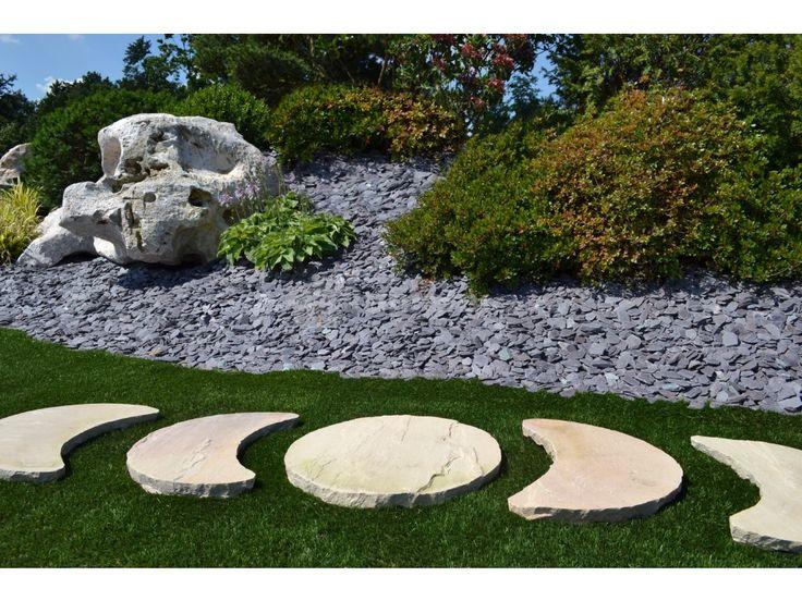 Nášlapy pro tvorbu zahradních komunikací vyrobené z přírodního kamene. Pro…