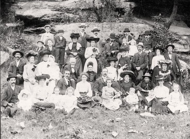 Picnic group at Como Pleasure Grounds, ca. 1904