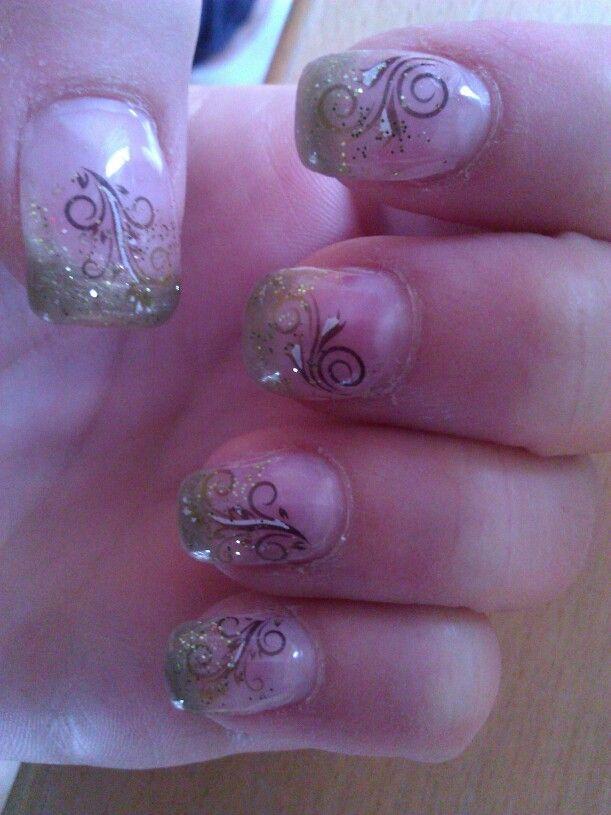 Gel Nägel selbstgemacht, grün, glitzer