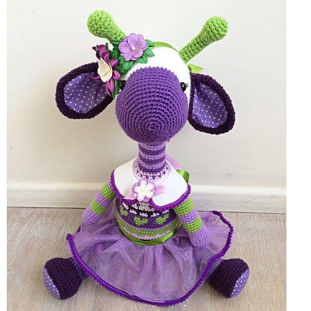 Purple giraffe amigurumi