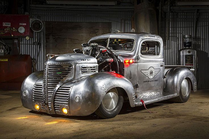 A 1939 Plymouth pickup truck gets a Jacobs R-755 radial engine