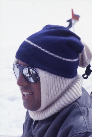Adriano Celentano in inverno.