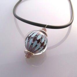 collier en verre fait à la main