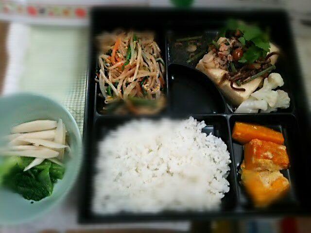主食、主菜、副菜の揃ったバランスの良いメニューですo(^o^)o - 24件のもぐもぐ - 揚げだし豆腐山菜おろしあんかけ弁当 by Yoshitsugu  Tsuchiya