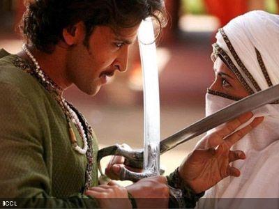 "Actors Aishwarya Rai & Hritik Roshan in a movie scene from ""Jodha Akhbar"""