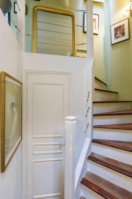 Bekijk deze fantastische advertentie op Airbnb: AMAZING HOUSE HIGH MARAIS  - Appartementen te Huur in Parijs