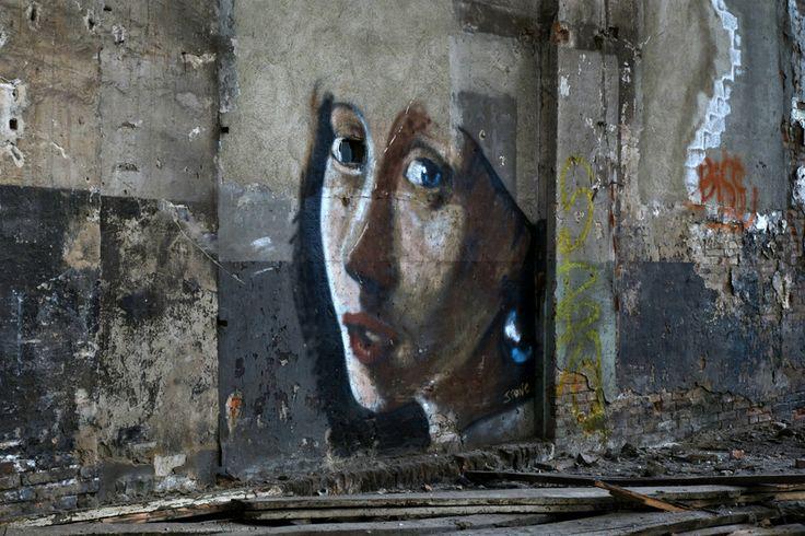 Graffiti nelle Ex Officine Meccaniche Reggiane