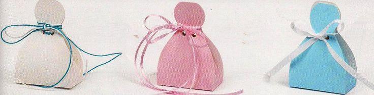 Οικονομικές μπομπονιέρες γάμου κουτί σε τρία χρώματα λευκό, ροζ, σιέλ με πρωτότυπο σχήμα και απαλό γυαλιστερό χαρτί πολυτελείας.