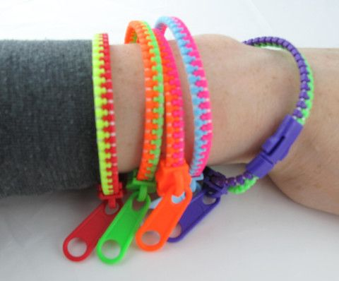 Fully functional zippers that you wear around your wrist! Zipper Bracelets are a favorite for classrooms and meetings. Aside from being quiet they make an attractive and unique fashion accessory. Addi