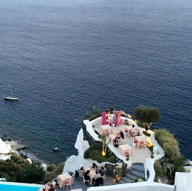 Meet Lycabettus Restaurant, the family member of Andronis Exclusive where you can dine literally on the edge of the cliff.