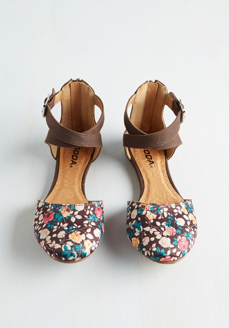 Floral Intents and Purposes Flat. A fashionista and botanic expert through-and-through, you naturally gravitate toward these cute, mocha-brown flats! #brown #modcloth