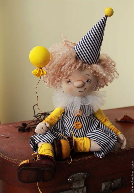 Коллекционные куклы ручной работы. Ярмарка Мастеров - ручная работа. Купить Текстильная авторская кукла. Клоун Флип. Handmade. Желтый