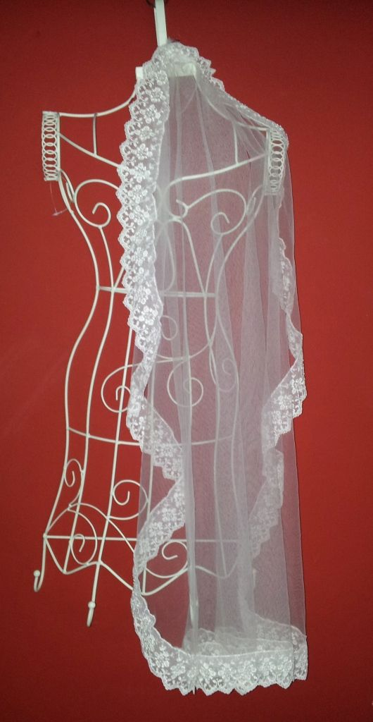 Lace edged vintage style veil handmade by Beautiful Unique
