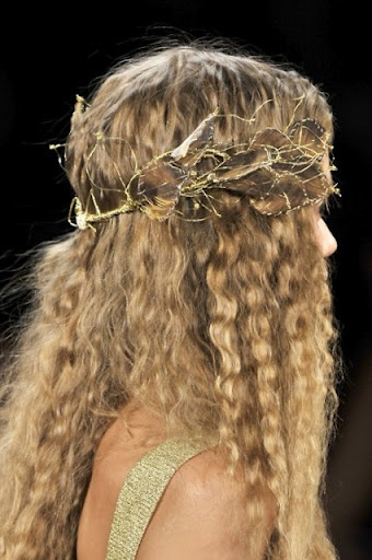 2b0711f24907b999e9456e6e91fa189f greek goddess hairstyles medieval hairstyles 87 best bacchae images images on pinterest drag racing, rupaul  at bayanpartner.co