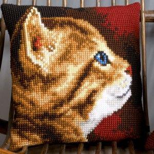 """""""Kitten"""" kruissteekkussen om zelf te borduren op voorgeschilderd stramien"""