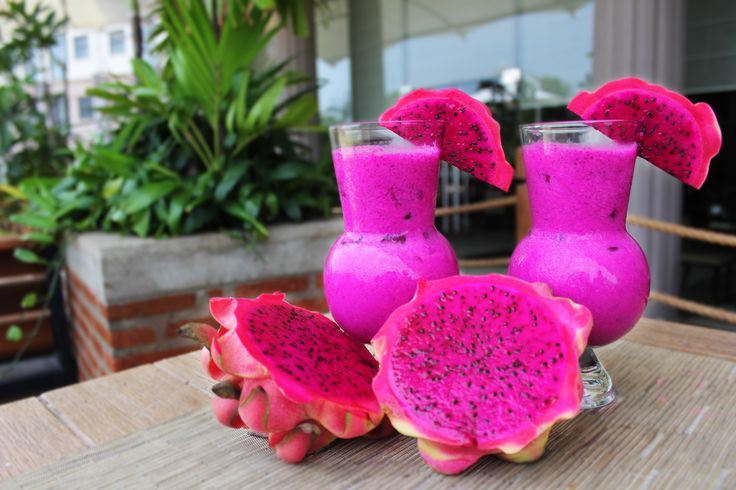 Kicir Kicir Beat the sweltering heat with this refreshing new Kicir Kicir mocktail concoction.  Our mixologist is combining for you Red dragon fruit, Lychee fruit and adds up with Coconut syrup. Dip and sip it for just IDR 48,000 net per glass. #mocktail #goodtimes #jktfoodies #drink #thirsty #liquor #DiscoveryAncol